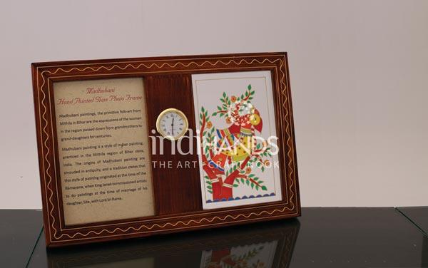 Table-Top-Product,-CL-Madhubani-Photo-Frame-&-Clock-Handicraft,-1044-copy